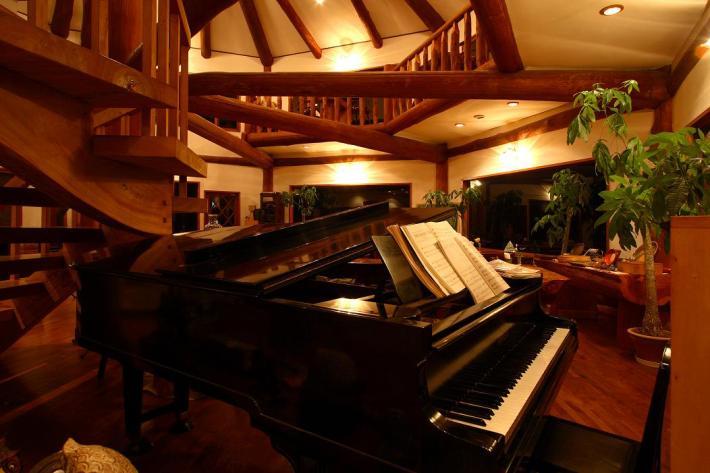 昭和6年ヤマハ初期型グランドピアノ